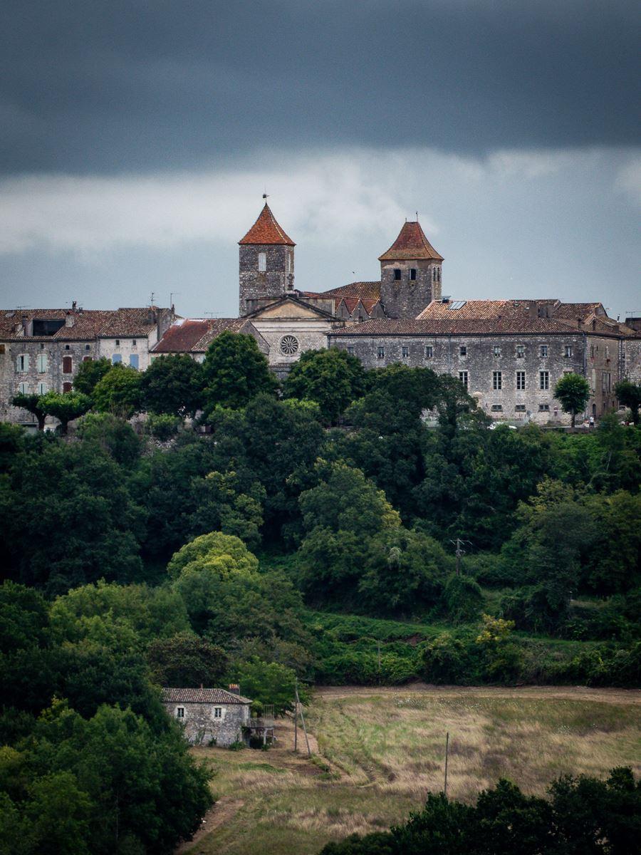 Vue de Lauzerte depuis Beaucaire