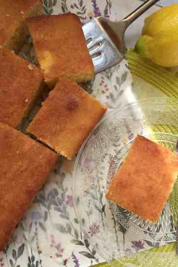 Lemon Drizzle tray bake slices