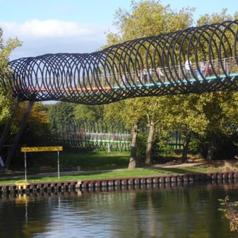2610 Slinkybrücke 468