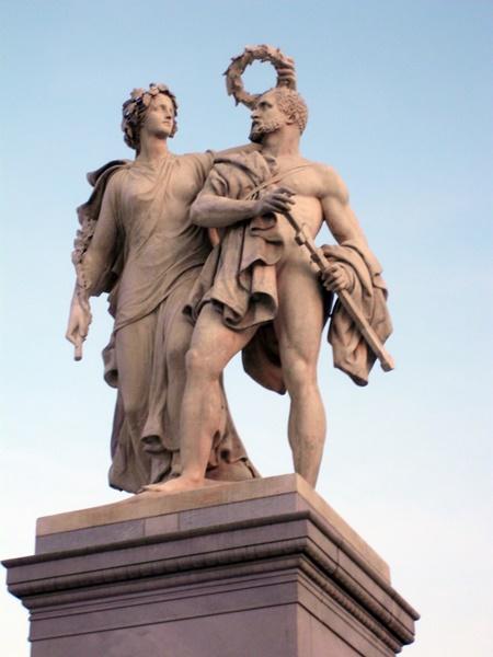 0306 Schlossbrücke Skulptur 70