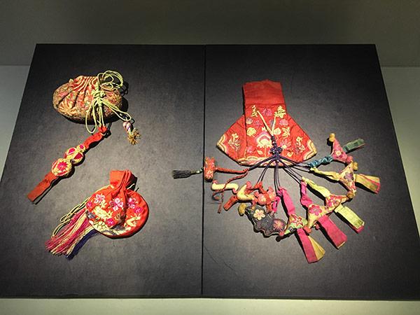 Maedub   Korean wrapping cloths   Korean knots   Korean Textiles  Maedubare