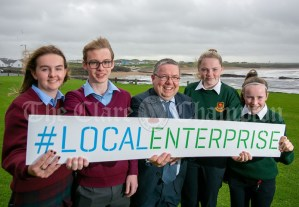 REPRO FREE 260919 Launching Local Enterprise Office Student Enterprise Programme 2019 was Finbar Tuohy, Local Enterprise Office Clare, with students from St Josephs Secondary School Spanish Point and Scoil Mhuire Ennsitymon during Student Enterprise Induction Day at The Armada Hotel in Spanish Point.Pic Arthur Ellis.