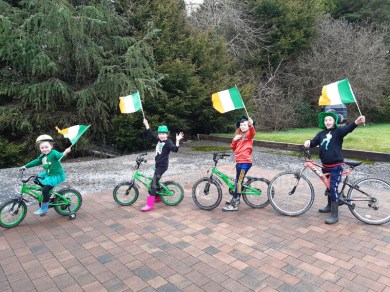 Rynne kids in kilnamona having their parade. Saoirse, Sinead, Christopher and Thomas