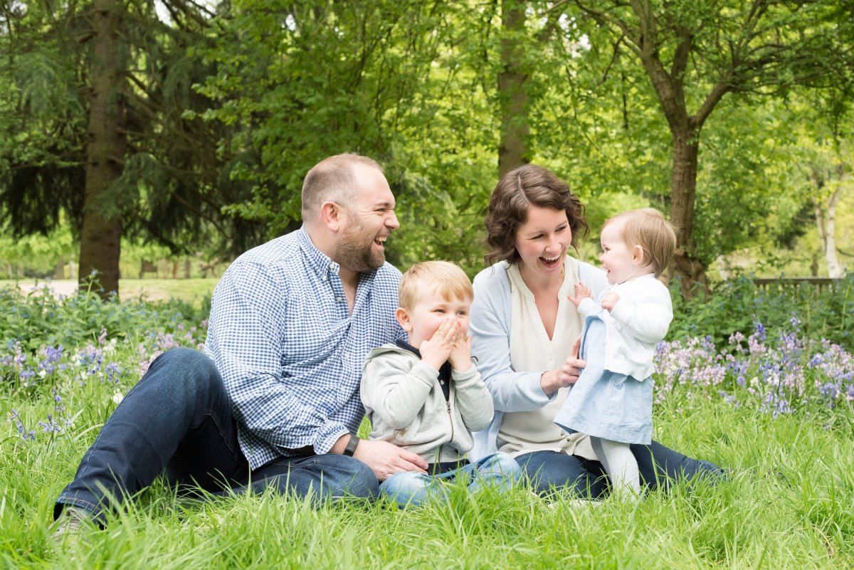 Family photo shoot in bluebells in Surrey