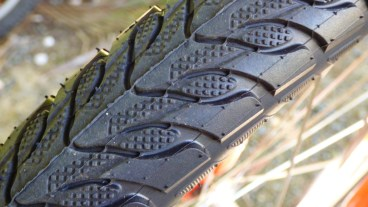 Thorn-proof tyres