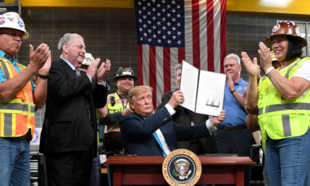 Oil, Gas Industry Workers Praise Trump for Exec Orders Streamlining Pipeline Permit Process