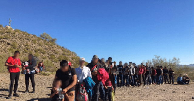 'Large' Migrant Groups Continue to Exploit Outdated Border Barriers, Say Feds