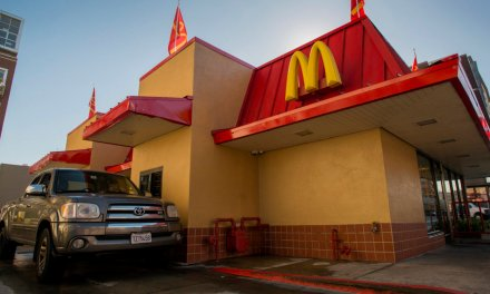 Fast food restaurants could accept food stamps in Illinois if new bill passes