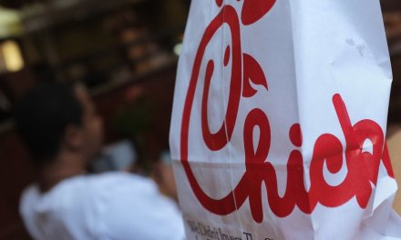 Man's car breaks down in Chick-fil-A drive-thru lane. Workers go the extra mile to help him: 'Those people are truly doing the Lord's work!'