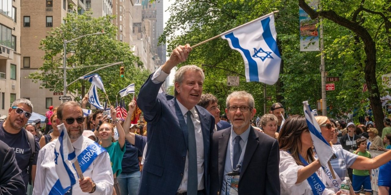 NYC Mayor Bill De Blasio insists anti-Semitism is strictly 'from the right'