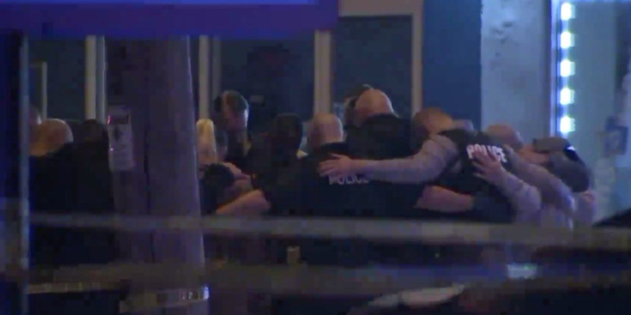 Off-duty Wisconsin cop killed while trying to stop armed robbery