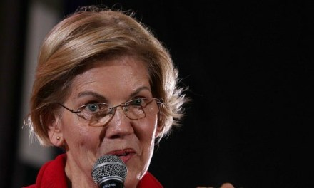 Elizabeth Warren to Upstage Debate Rivals with Visit to Migrant Shelter