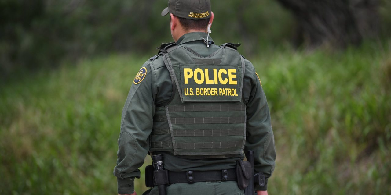 US Begins Collecting DNA Information From Detained Migrants