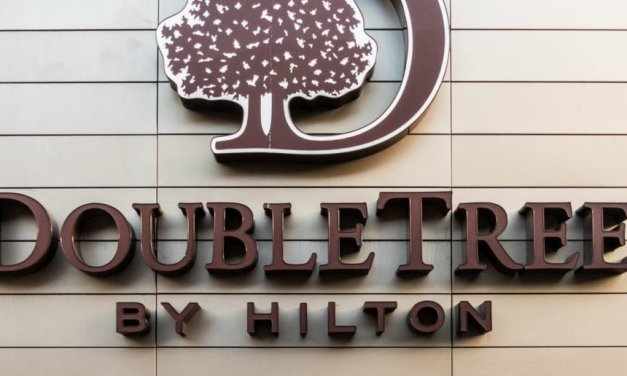 FACT CHECK: Did A Texas DoubleTree Hotel Display A Sign Denying Service To Military Members And Their Guests?