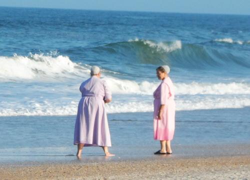 Mennonites girls conversation