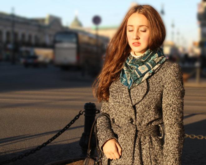 SBP girl on Nevsky Prospekt