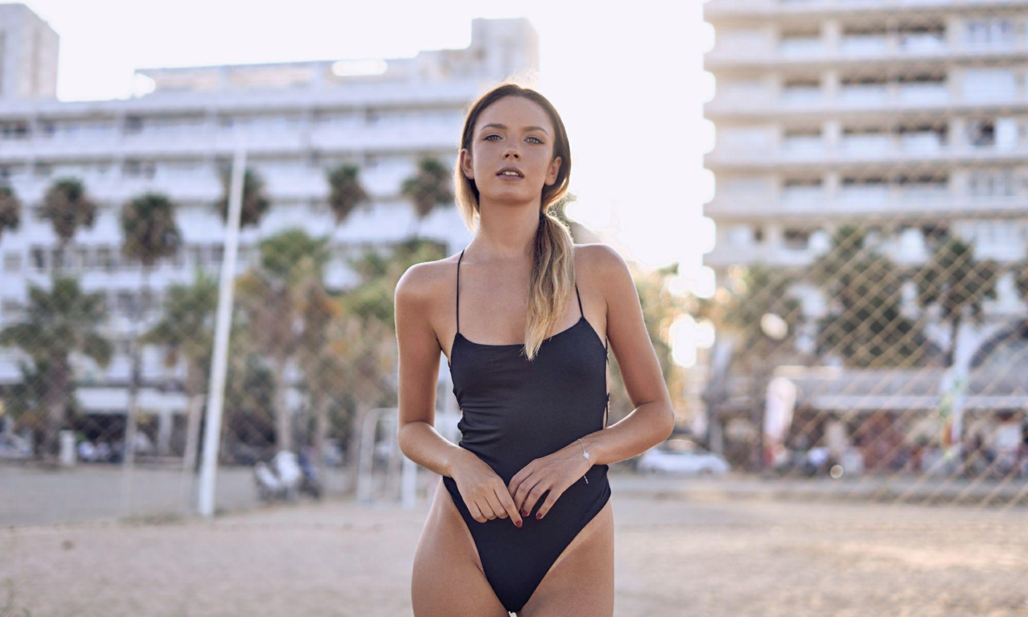 ukrainian girls beach ile ilgili görsel sonucu