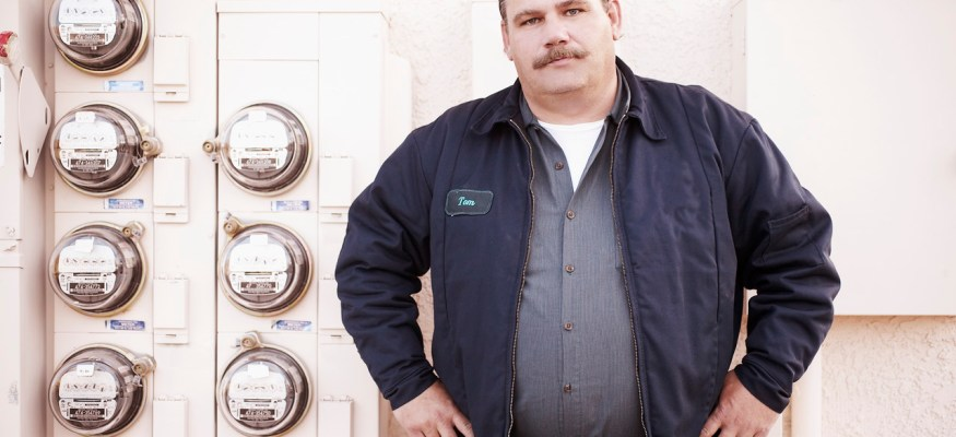 Should you repair or replace your old air conditioning unit?