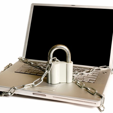 Mac users face virus attack