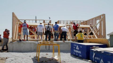Timelapse of Clark Howard's Habitat Build in Joplin MO, May 2012