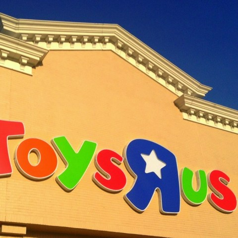Toys R Us irks Black Friday shoppers