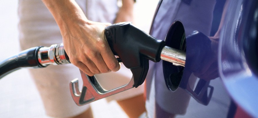 Fancy high-volume gas stations sell fuel at a discount