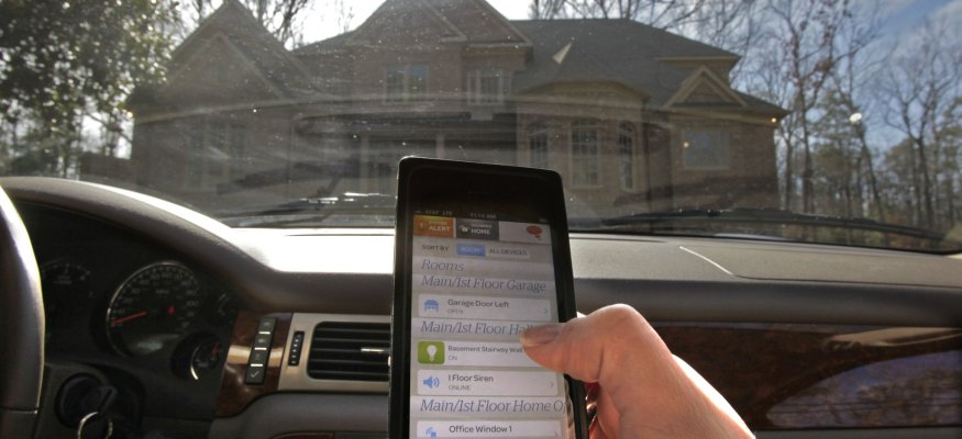 Car technology contributes to distracted driving