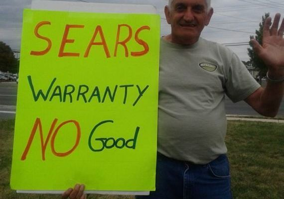 Man's picket against Sears gains attention
