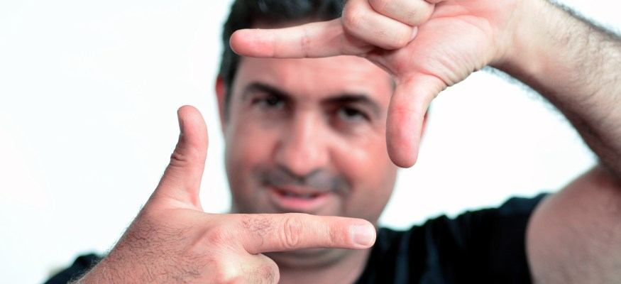 Man's Finger Length May Show How Much He's Willing To Spend on Date