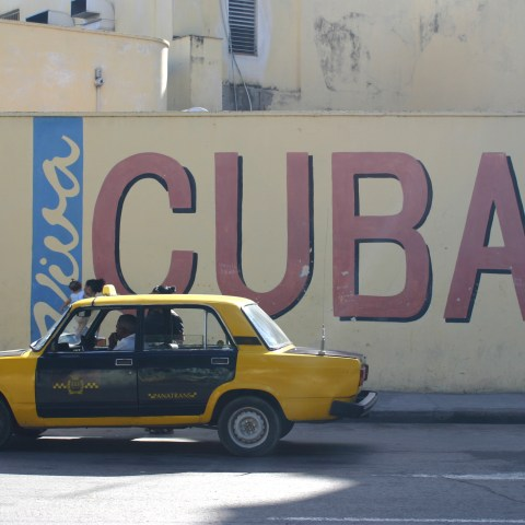 Carnival wins approval to sail to Cuba