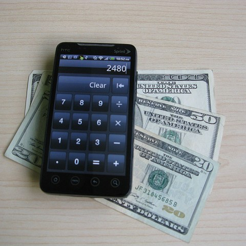 How to get the most cash for your old cell phone!