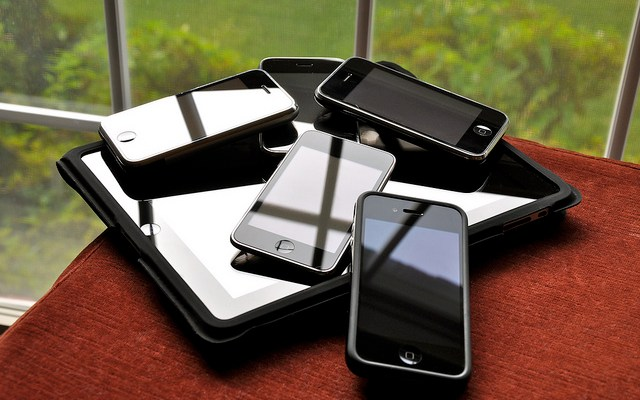 Does leasing a phone make sense for your life?