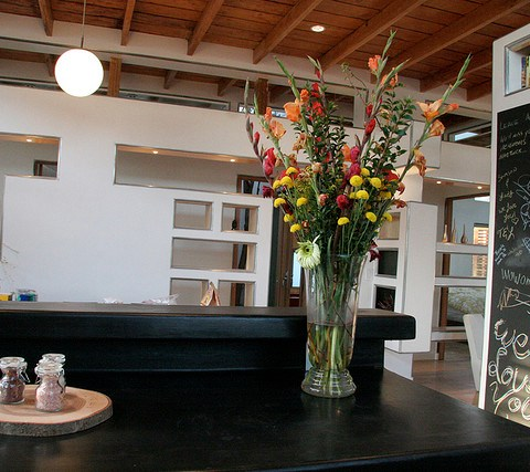 5 reasons concrete counters are better than stone