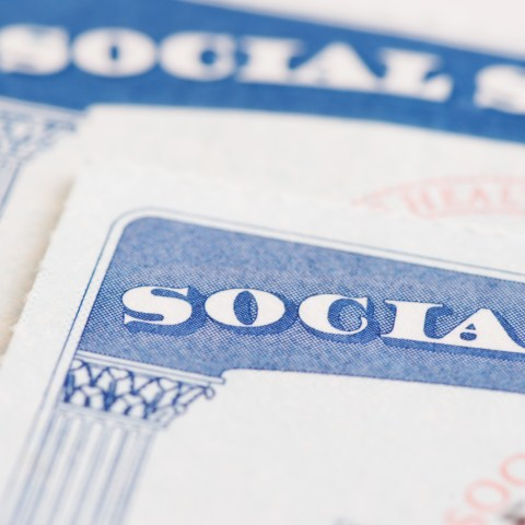 5 factors to consider when planning for Social Security