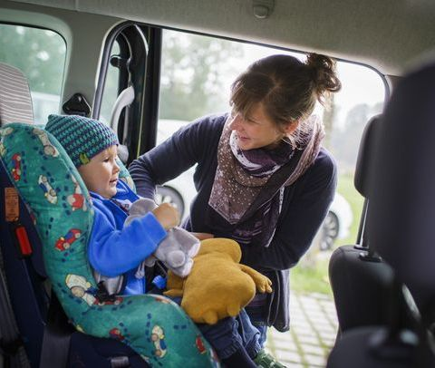 Experts warn winter coats could put kids in car seats at injury risk
