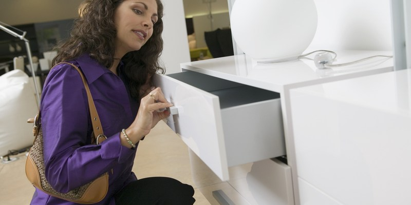 9 ways to buy discounted furniture and appliances