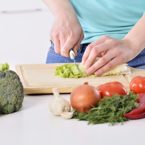 5 ways to save on the cost of eating healthy