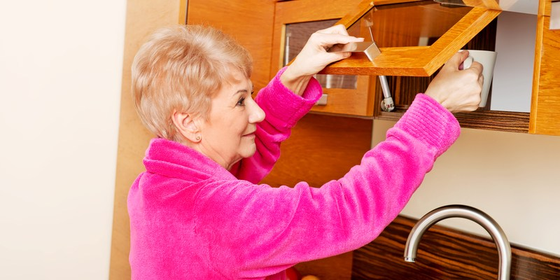 Cabinet refacing vs. cabinet replacing: Which is right for you?