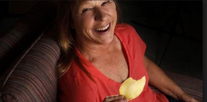 Life-saving potato chip alerts woman to cancer