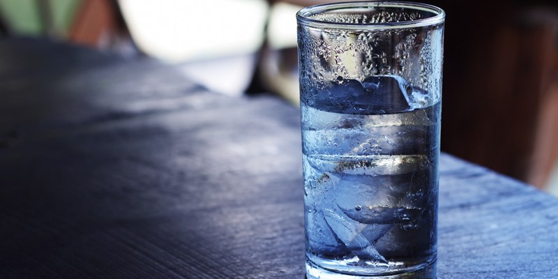 This is the healthiest way to drink water