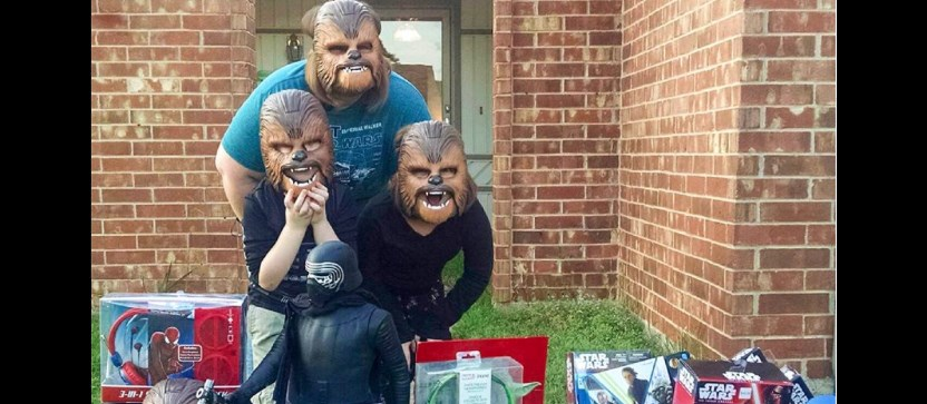 Kohl's has epic response to Chewbacca mask-wearing woman