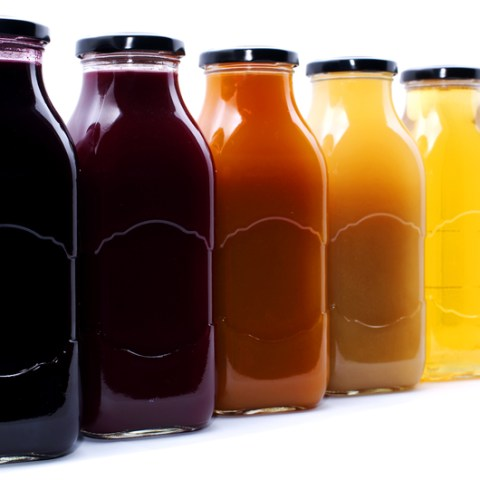 """5 """"healthy"""" beverages that aren't as healthy as you thought"""