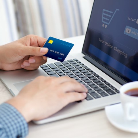 Nearly half of Americans are making this expensive credit card mistake