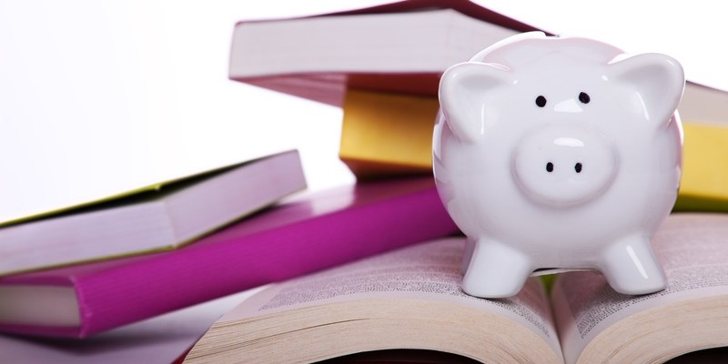 9 ways to save on college textbooks