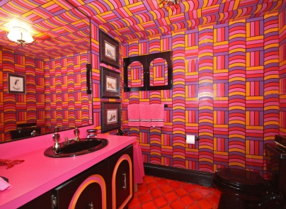 For sale: This groovy 1970s-themed home could be yours!