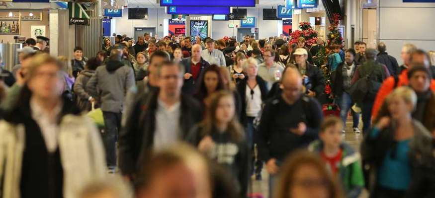 Thanksgiving travel forecast: Thousands more to pack airports
