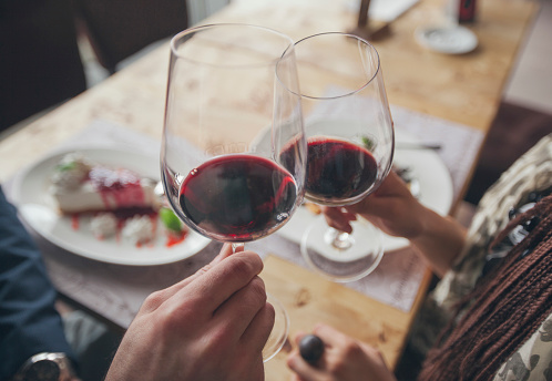 Study suggests abstaining from alcohol shortens lifespan