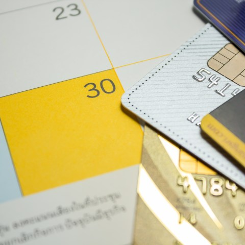 How to pay off your holiday debt in 30 days