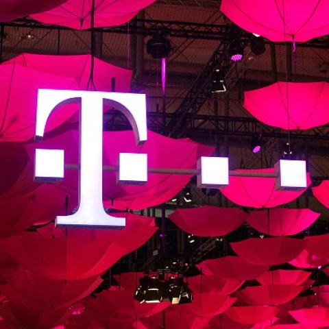 T-Mobile announces free Hulu offer