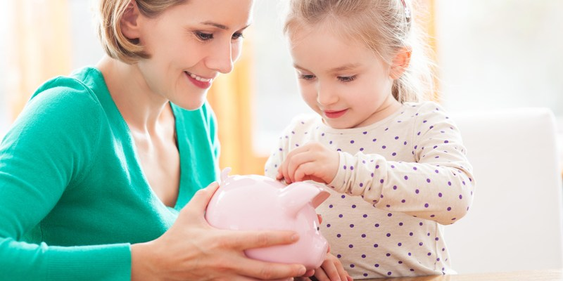 7 ways to make your kids money-savvy for the future